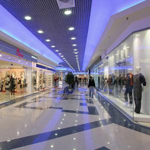 Торговые центры Петродворца